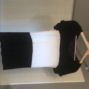 Women's Gap short-sleeve shirt, black & white, XS